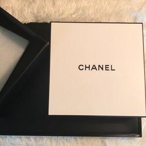 ❤️ Chanel gift box